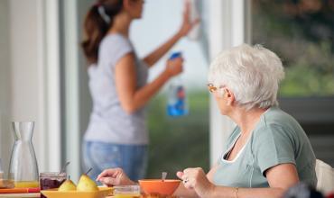 Recrutement aide à domicile : décrochez un CDI avec Horizon Bleu !