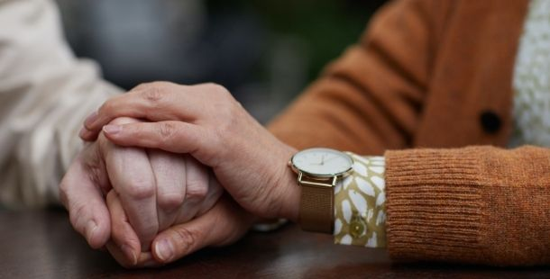 Aide à domicile personnes âgées - Horizon Bleu